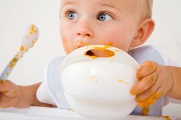 Guide-Feeding-Your-Baby-First-Year